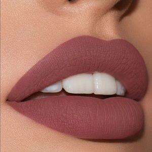 Makeup - Kylie Jenner twenty lip kit